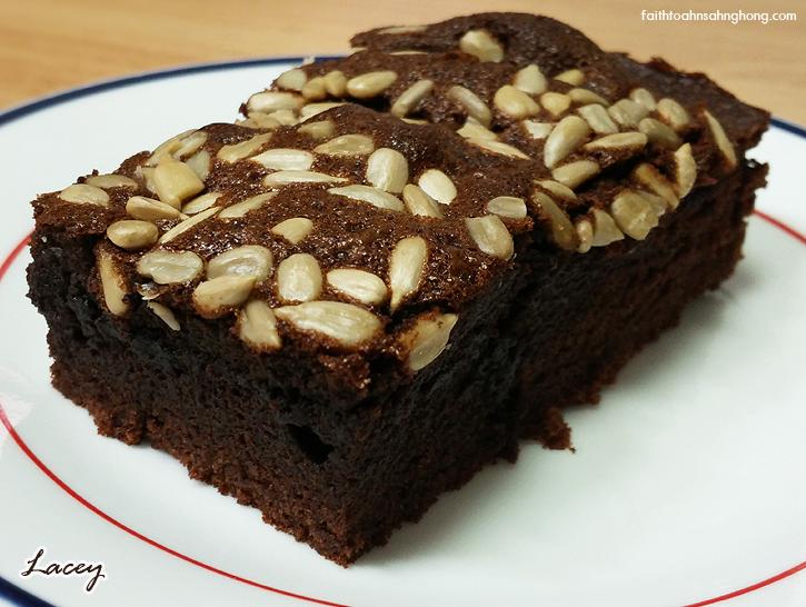 brownies-sliced-faithtoahnsahnghong